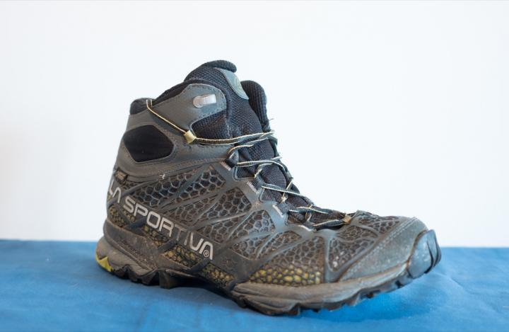 587a143f4bd70 Di sicuro sono meno resistenti rispetto alle scarpe alte ma questa  caratteristica è ampiamente compensata da un peso molto più contenuto e da  una grande ...